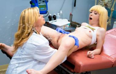 Kenzie Reeves, Serene Siren – Diagnose Squirter (GirlsWay)